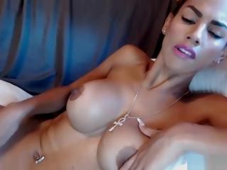 Cute Thekittykatbar Flashing Boobs On Live Webcam