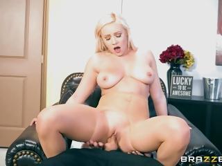 Slutty Secretary Is Ready To Suffer Punishment Be worthwhile for Her Vulgar Behavior
